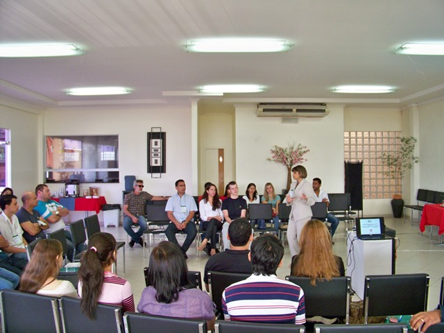Gestora do IFPB/Campus João Pessoa dinamiza servidores no segundo dia do encontro
