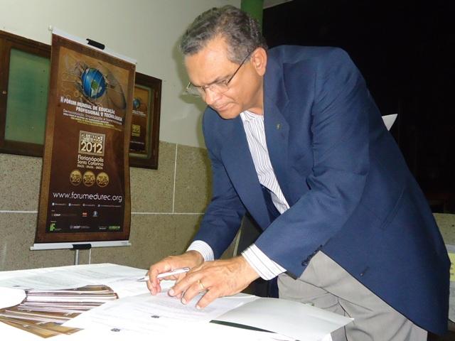 IFPB realiza solenidade de lançamento regional do II Fórum Mundial de Educação