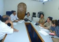 Oficiais bombeiros se reúnem com reitoria do IFPB sobre convênios