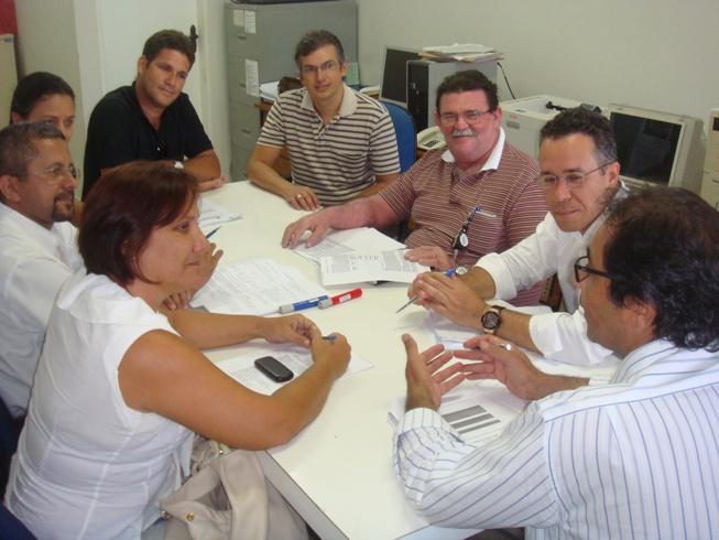 Professores se reúnem para estabelecer diretrizes de curso à distância
