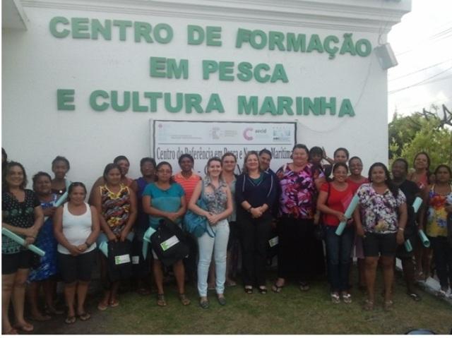 Programa Mulheres Mil do CRPNM realiza celebração natalina