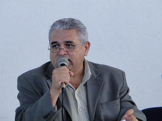 Reitor assina termo de posse do diretor-geral de Campina Grande