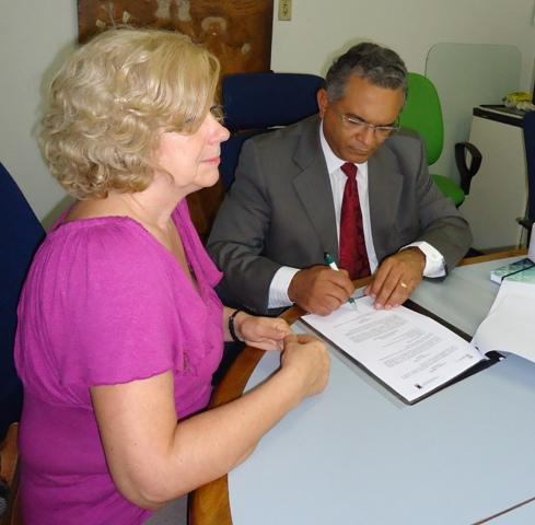Reitoria firma convênio com Universidade da Argentina